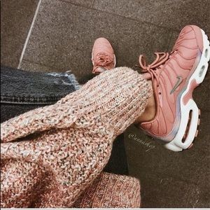 NWT Nike air Max plus rn pink